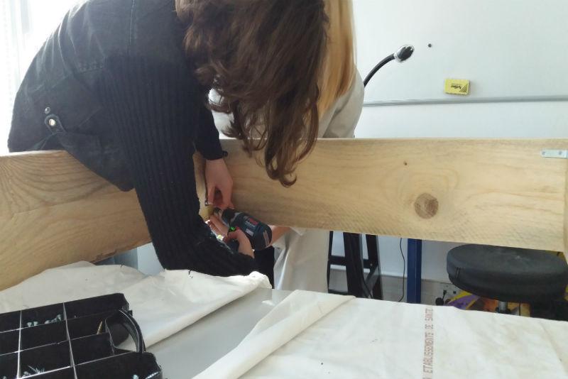 Construction d'un hôtel à insectes à la MDA